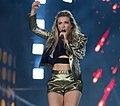 Recording artist Rachel Platten sings 'Fight Song' during the 2016 Invictus Games closing ceremonies (26992436055) (cropped).jpg