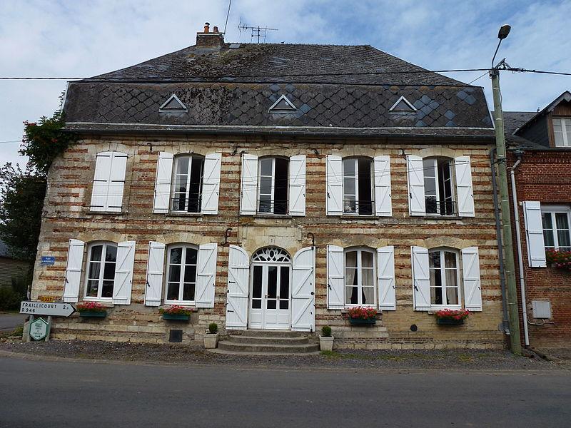 """Renneville (Ardennes) ancien hôtel """"À la fleur de Lys"""""""
