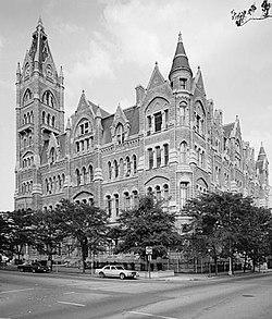 Richmond City Hall (Virginia).jpg