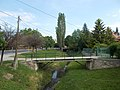 Road bridges over the Dera and bus stop, 2017 Pomáz.jpg