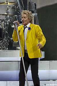 Rod Stewart at Xcel Center DSC 0383 (14883632294).jpg