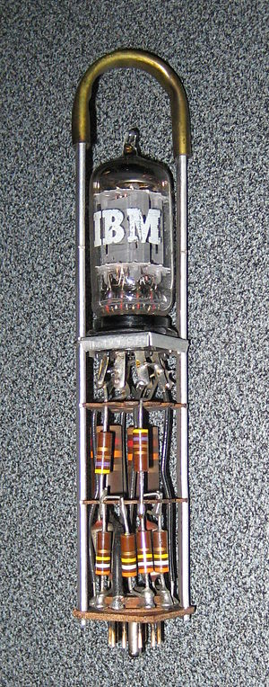 IBM 650 - Vacuum tube circuit module of type used in the 650.