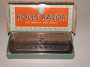 Rolls Razor - Rolls Razor model: Imperial No. 2 in closed chrome-plated case with the meander decoration