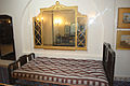 Royal bed in Bikaner fort museum 01.jpg
