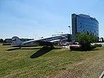 Ruzyně, Jana Kašpara, Douglas DC-3 OK-XDM a budova Českého aeroholdingu.jpg