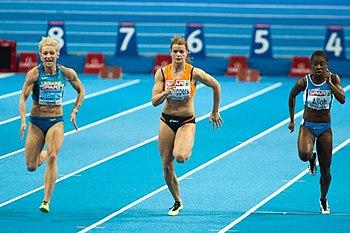 Audrey Alloh (la prima atleta sulla destra), durante la semifinale dei 60m agli Europei indoor di Göteborg 2013.