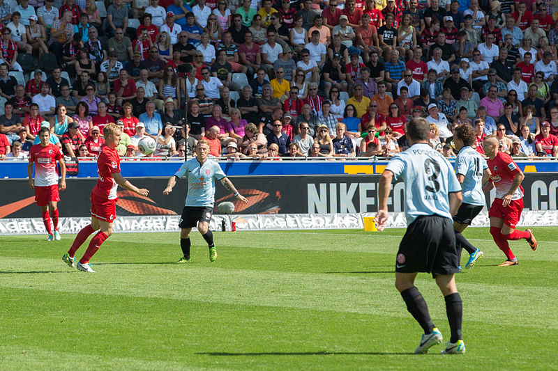 File:SC Freiburg vs FSVMainz 17 août 2013 03.jpg