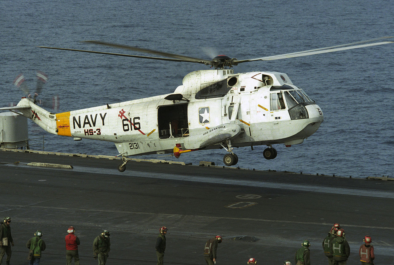 h 60 helicopter with File Sh 3h Hs 3 Landing Uss Saratoga  Cv 60  1986 on Ja Rule Pleads Guilty To Tax Evasion Then Moves Onto 50 Twitterbeef additionally  also Sh 60 likewise Ah 60l likewise Raptor Bird.