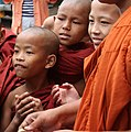 Sagaing-Aung Myae Oo-Klosterschule-08-Moenche-gje.jpg