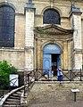 Saint-Riquier hôtel-dieu (entrée chapelle) 2.jpg