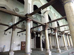 Al-Salih Tala'i Mosque - Image: Salih Talai mosque prayer hall