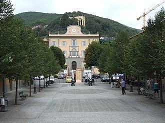 San Giuliano Terme - Image: San Giuliano Terme, piazza Italia