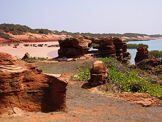 Roebuck Bay - The red sand beaches of northern Roebuck Bay
