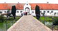 Schloss Glücksburg ehemalige Schlossbrücke, Damm, mit Geländer.jpg