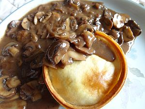 Mushroom sauce - A brown mushroom sauce accompanying Scottish mince pie