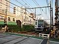 Seibu 6000 at Higashikurume.jpg