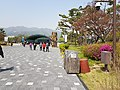 Seoul Grand Park trash can 20180420.jpg