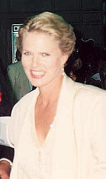 Sharon Gless at the 1991 Emmy Awards cropped.jpg