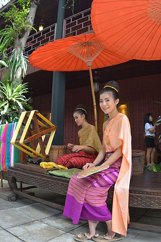 Sabai - Thai women wearing sabai, Jim Thompson House