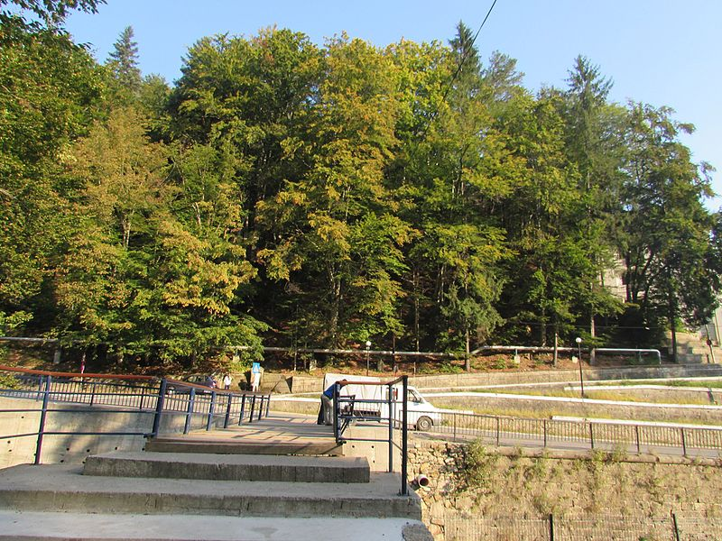 File:Slanic Moldova11.jpg