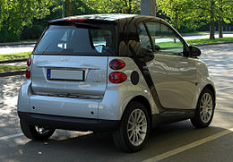 Smart Fortwo Coupé 1.0 mhd Passion (451) – Heckansicht, 25. April 2011, Ratingen.jpg