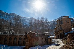Snowy day in Qalat village 2020-02-01 16.jpg