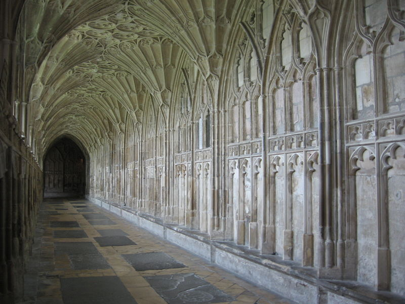 http://upload.wikimedia.org/wikipedia/commons/thumb/d/d0/South_cloister_of_Gloucester_Cathedral.jpg/800px-South_cloister_of_Gloucester_Cathedral.jpg