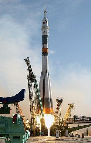 Soyuz TMA-3 - Soyuz TMA-3 launch.