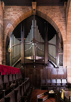 St Matthew's Church, Paisley - Image: St Matthew's Church Paisley Interior Organ
