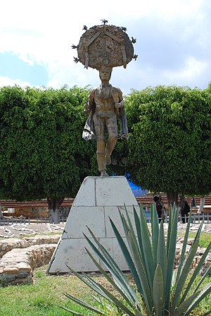 English: Statue dedicated to the Danza de la P...