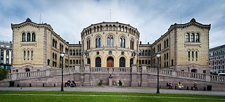 320px-Stortinget%2C_Oslo%2C_Norway_%28cropped%29.jpg
