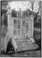 Stuart-Robertson House (Entrance Gates), 120 Church Street, Staunton, Staunton, VA HABS VA,8-STAU,1-2.tif