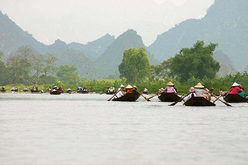 Tập tin:Suối Yến, chùa Hương.jpg