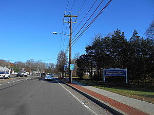 Suffolk 80 entering Hampton Bays.jpg
