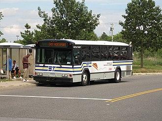 Suffolk County Transit - Image: Suffolk Transit Gillig 5008