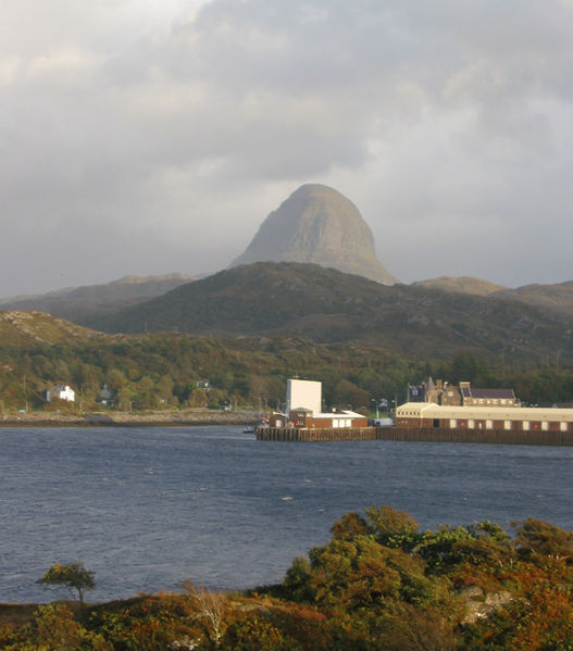 File:Suilven Caisteal Liath above Lochinver - geograph.org.uk - 186340.jpg
