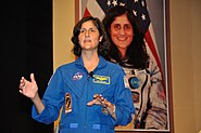 Sunita Lyn Williams - Science City - Kolkata 2013-04-02 7515