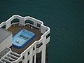 Swimming pool on the roof (3519203707).jpg