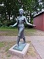 Tanzendes Mädchen (Richard Steffen) HamburgSasel (2).jpg