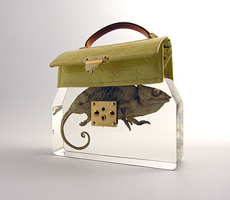 Ted Noten - Grandma's Bag Revisited (2009). Photography: Atelier Ted Noten.
