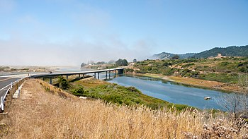 English: Ten Mile River (California), looking ...