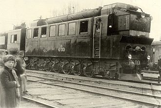 Diesel locomotive - World's first useful diesel locomotive for long distances SŽD Eel2, 1924 in Kiev