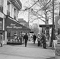 Terras van café-restaurant Deux Magots in Saint-Germain-des-Prés, Bestanddeelnr 254-0634.jpg