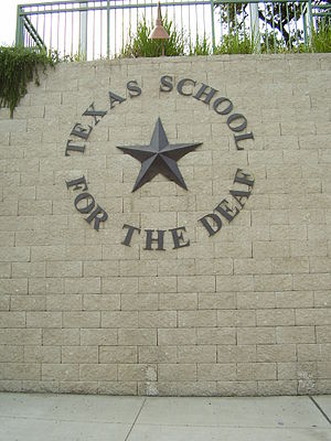 English: Texas School for the Deaf Español: Es...