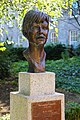 The Dubhlinn Gardens Veronica Guerin Memorial 01.JPG