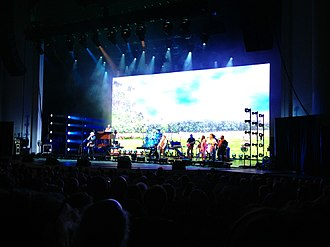 "Groovin' - The Rascals performing ""Groovin'"" during their 2013 Once Upon a Dream show, with a peaceful park scene showing on the video screen behind them. Gene Cornish plays the well-known harmonica part."