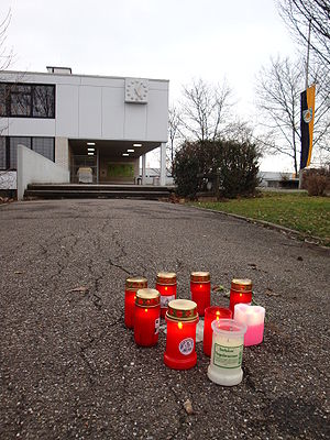 Winnenden school shooting - Candles in front of the Albertville school