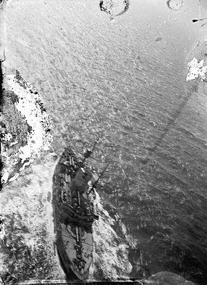 HMS Revenge (1892) - Aerial view of Revenge taken by Samuel Cody during naval trials of observation kites in 1908.
