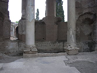 Thermae of Villa Adriana 10.jpg