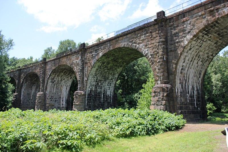 [Image: 800px-Thomas-viaduct-2011.jpg]